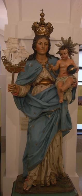 Scultura raffigurante la Madonna di Bonaria. Legno intagliato e policromato. Ignoto scultore sardo, primi decenni del XVII secolo Chiesa di Santa Caterina d'Alessandria, Dorgali