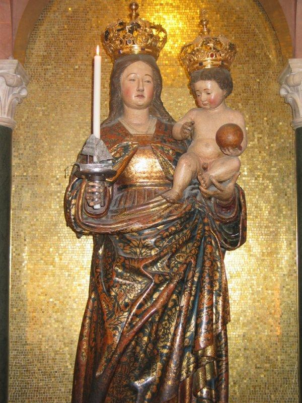 Statua originale del Santuario
