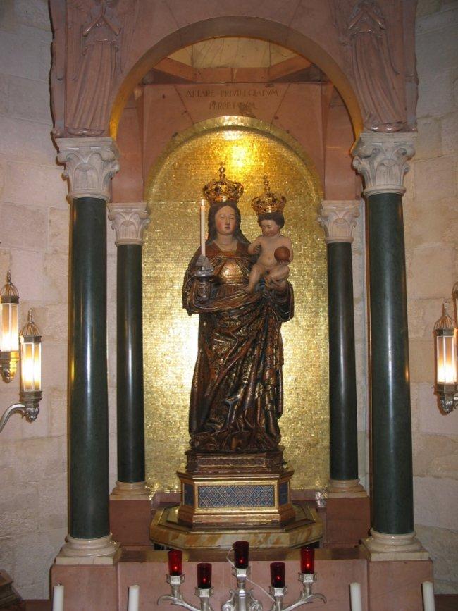 Il Trono della Madonna di Bonaria